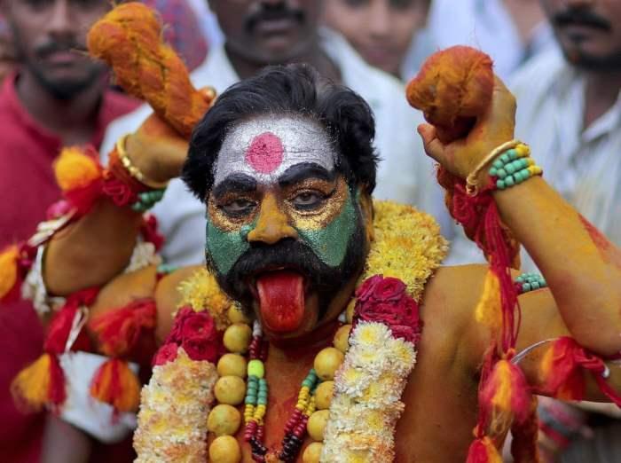 Преданный индуистской богини