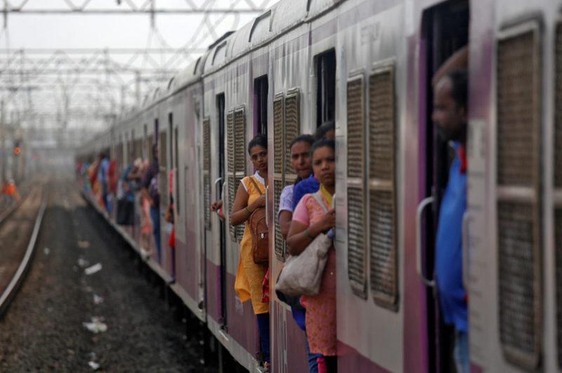 Путешествие на поезде в Мумбаи