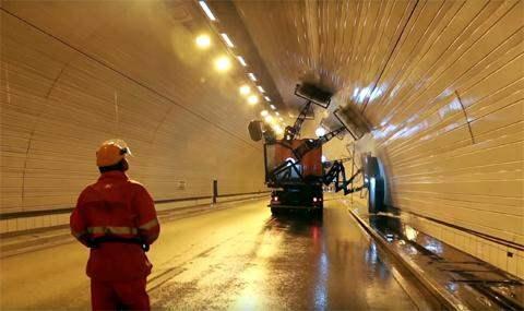 моют туннели