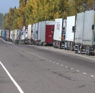 пробка грузовиков