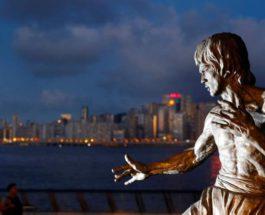 Статуя Брюса Ли
