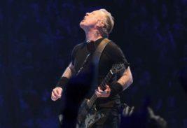 Вокалист группы Metallica проходит лечение от наркозависимости