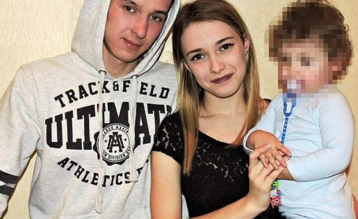 2-летняя девочка убила свою 21-летнюю мать