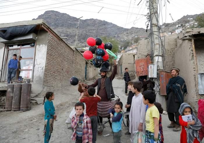 Продавец воздушных шаров