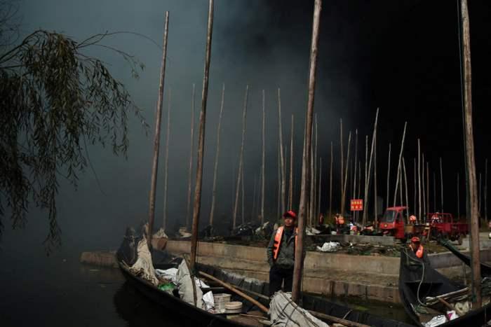 Рыбаки во время фестиваля