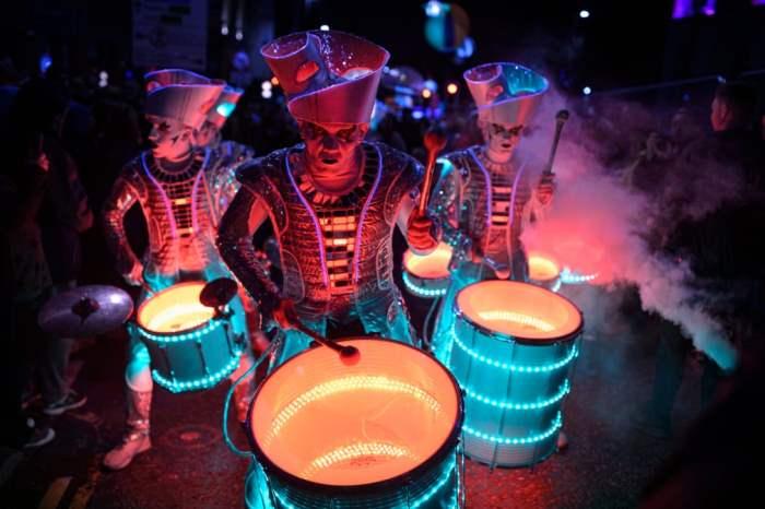 Театральный ансамбль барабанщиков