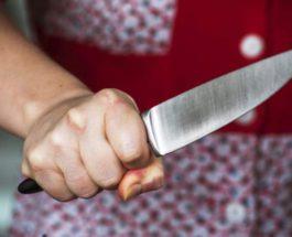 школьница с ножом