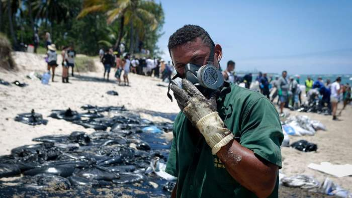 Brazil sent 5,000 military to deal with oil spill