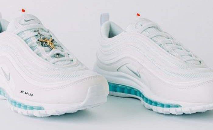 Nike выпустила кроссовки со святой водой