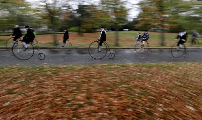 Ежегодная гонка на ретро-велосипедах