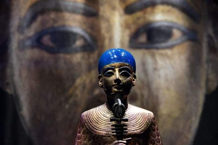 Позолоченная деревянная статуя Птаха