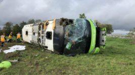 Франция,автобус,перевернулся
