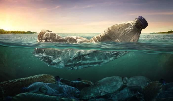 в черном море мусор