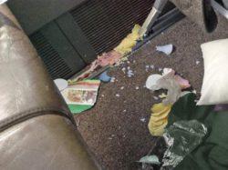 Пассажиры оставили в самолете груды мусора и шокировали пилотов