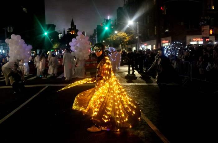 на Хэллоуин в Манхэттене
