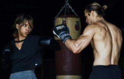 Холли Берри травмировалась на съемках фильма про ММА