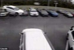 В США машина пролетела несколько метров (видео)