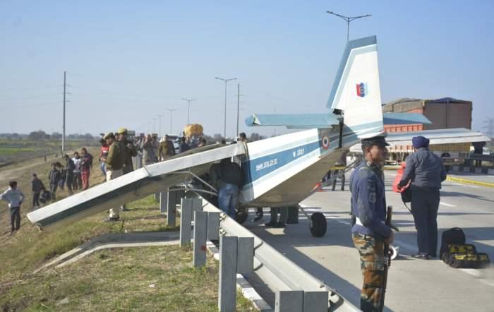 Самолет после аварийной посадки