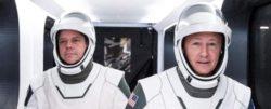 SpaceX собирается начать историческую миссию с реальными людьми на борту Crew Dragon