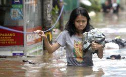 Джакарта находится под водой, город парализован (9 ФОТО)