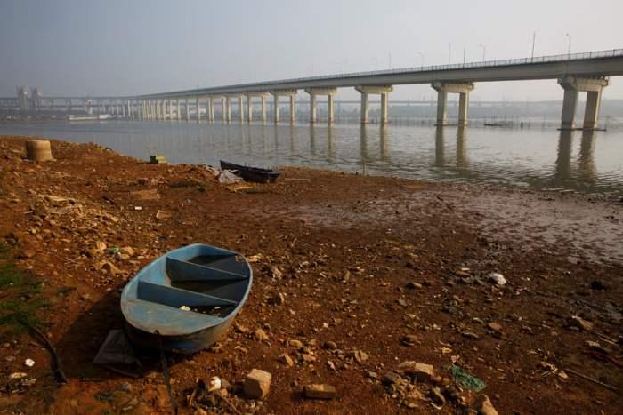 Мост, соединяющий провинцию Хубэй
