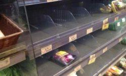 Продуктовый апокалипсис в Италии. На полках нет даже хлеба и соли.