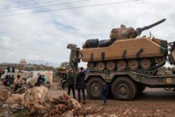 Турецкая артиллерия обстреляла северную Сирию, 9 сирийских солдат убиты