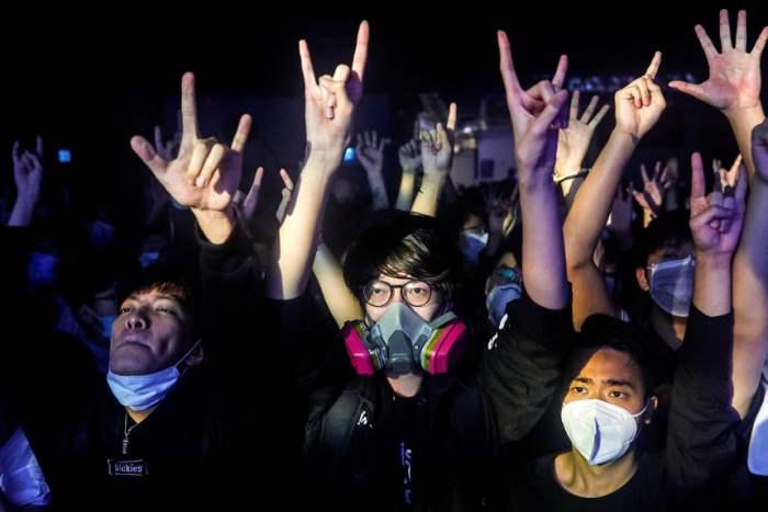 во время концерта в Гонконге
