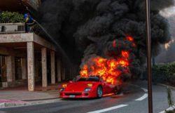 Ferrari F40 за 1 миллион $ сгорела до тла за считанные минуты (ВИДЕО)