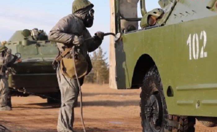 Российские военные из подразделений радиационной, химической и биологической защиты