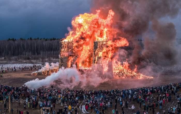 Сжигание деревянного моста