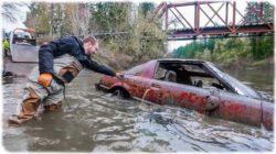Дайверы нашли на дне реки уникальные машины (ВИДЕО)