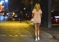 Голодные проститутки Таиланда выходят на улицы в поисках еды