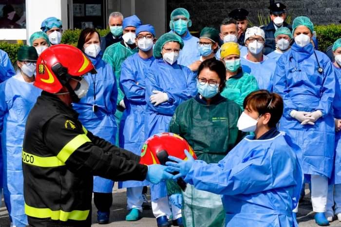 Пожарные воздают должное медицинскому персоналу