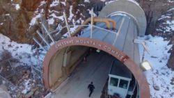 Ведущие военные США спрятались в бункере в горах Колорадо