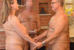 Извращенцы! В Великобритании пара провела обнаженную свадьбу (ФОТО 18+)