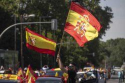 Протестующие блокируют автозаводы в Испании и Франции (ВИДЕО)
