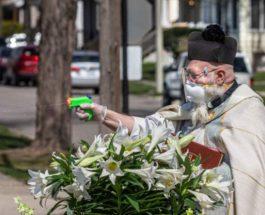 священик с пистолетом