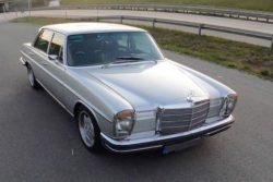 50-летний Mercedes-Benz 280 разогнался до 200 км/ч