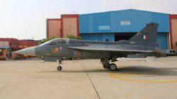 ВВС Индии вводят в эксплуатацию первый боевой самолет Tejas Light FOC