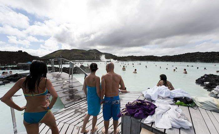 Туристы в Исландии