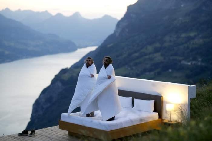 Швейцарские художники Фрэнк и Патрик Риклин