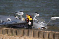 В Саутгемптоне упал Cirrus SR22 (ФОТО). Пилот активировал парашют и никто не пострадал.