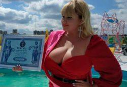 Найдена женщина с самой большой натуральной грудью в Украине