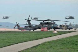Армия США направляет около 60 вертолетов в Германию, Польшу и Латвию