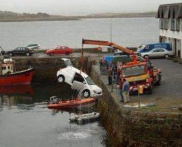 машина в воде