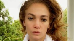 Дженнифер Лопес появилась без макияжа и очаровала всех