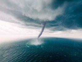 лаура ураган
