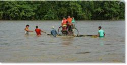 Сильные наводнения в Индии, Непале, Судане и Нигерии — пострадало много людей (ВИДЕО)