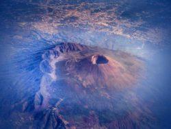 Гора Этна показывает признаки активности